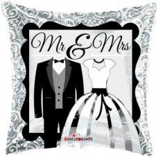 Mr & Mrs (15287-18) 18
